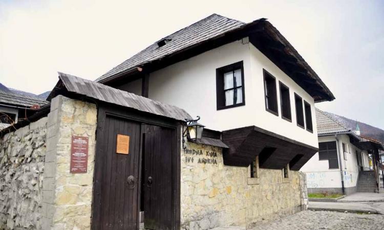 Rodna kuća Ive Andrića privuče hiljade turista, a Travnik mu nije poklonio ulicu ili trg