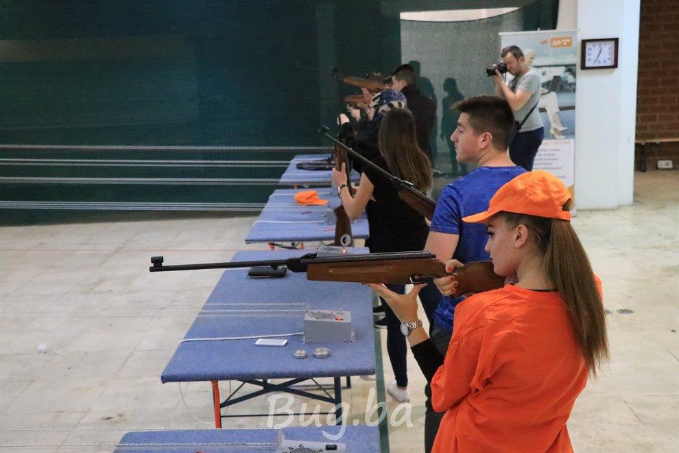 Dan općine Bugojno: Organizovano takmičenje osnovaca i srednjoškolaca u streljaštvu